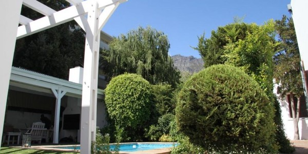 5 Campstreet Luxury Self Catering